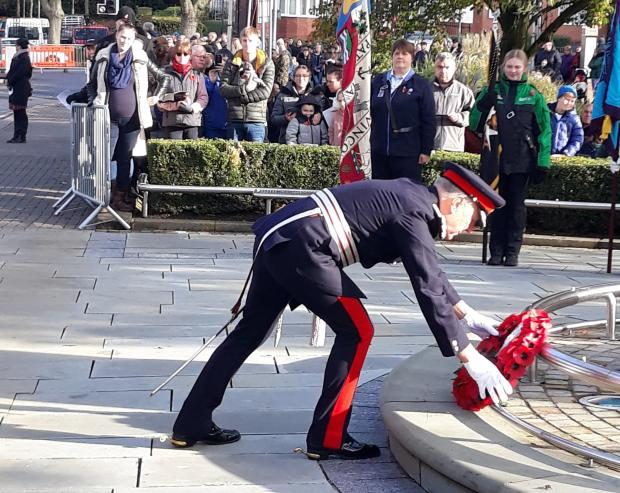 Halesowen News: Mr John Crabtree OBE, Her Majesty's Lord Lieutenant of the West Midlands lays a wreath on Remembrance Sunday. Pic - Dudley Council