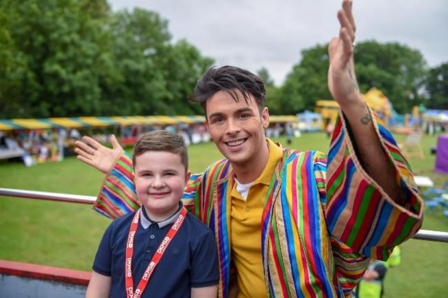 X-FACTOR star Jaymi Hensley with Finley Hill. Pic: SnapperSK