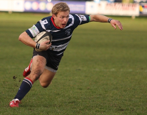Tom Richardson in action against Rosslyn Park