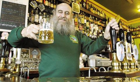 Popular landlord Bob Dummons who inspired the award winning beer BOB61.