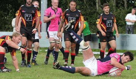 James Rodley goes over for Stour's bonus point try