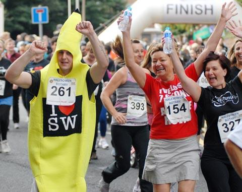 PHOTO GALLERY: Halesowen fun run
