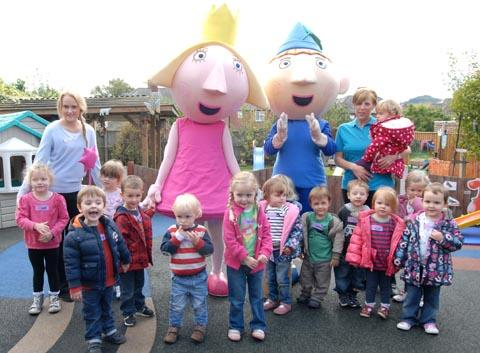 Ben and Holly with children at Kids Korner nursery in Hasbury. to buy pic: 421203M.