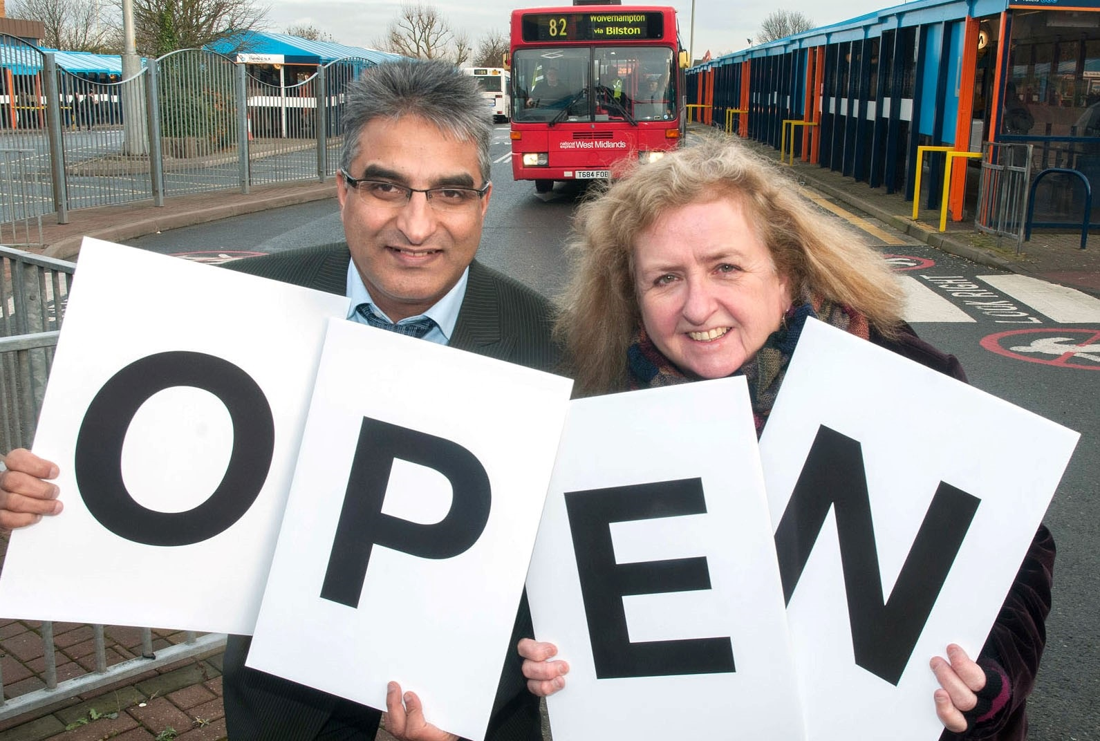 L-r Kurshed Ahmed, Coun, Karen Hartley vice chair of Centro at Dudley Bus Station031409MH