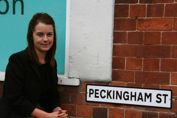 Stephanie Peacock with the new Peckingham Street sign