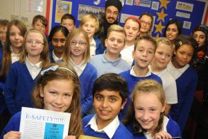 Students help Halesowen puplls learn e-safety lesson