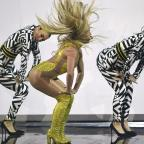 Halesowen News: Poor Britney's MTV VMAs performance just couldn't live up to Beyonce