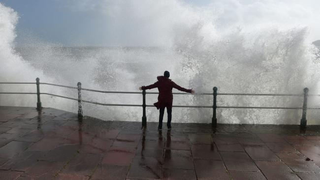 Thousands without power as Storm Eleanor batters Britain