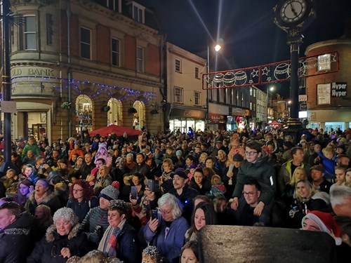 Thousands of people packed into Stourbridge town centre to see the official lights switch on.