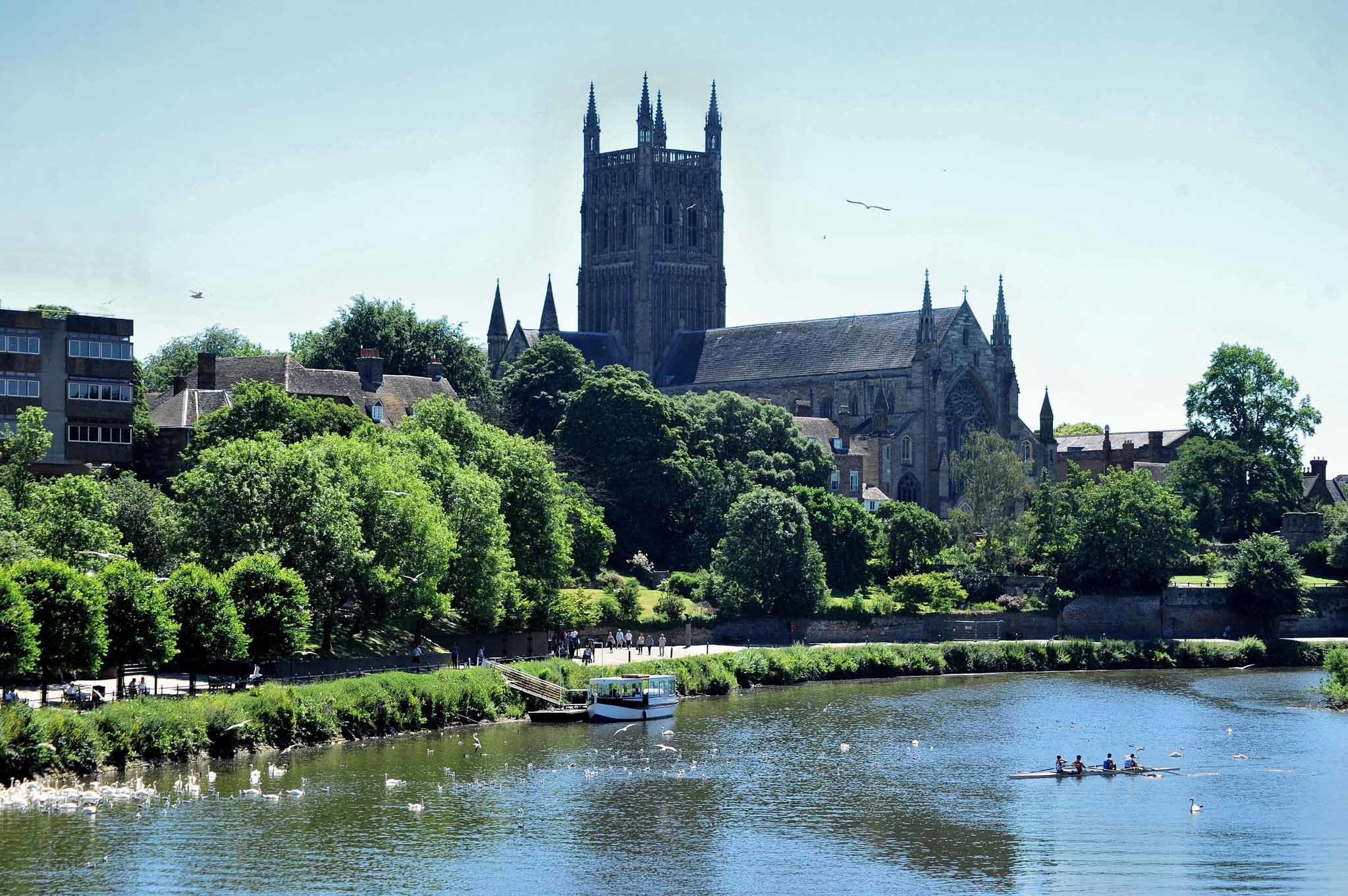 SCORCHING HIGH: The River Severn and Worcester Cathedral bathed in sunshine. Picture: Jonathan Barry